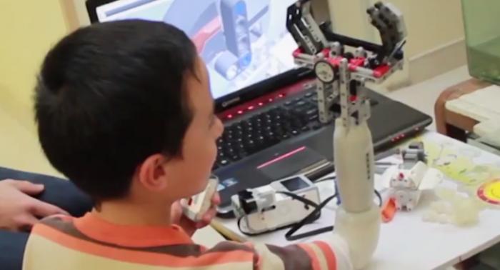 protesis infantil Lego