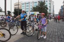 Consejos para disfrutar de un buen paseo en bicicleta con los niños