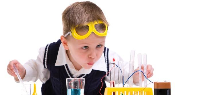 niño cientifico