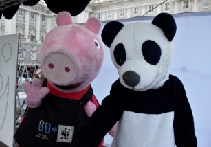 Peppa Pig participa en La Hora del Planeta