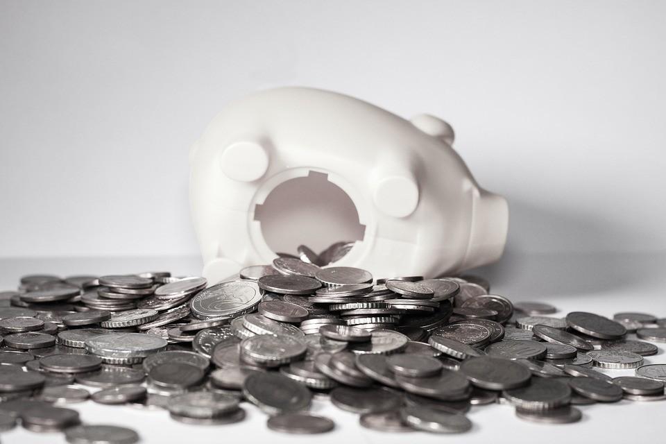 Cómo enseñarles a administrar su dinero