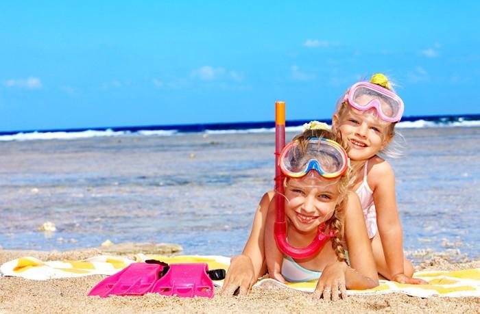 niñas en la playa