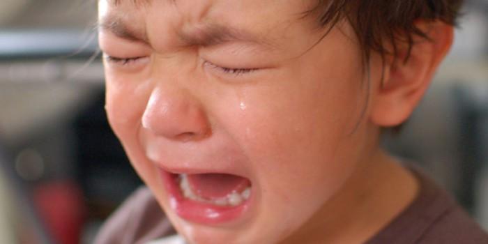 niño llorando ante tragedia
