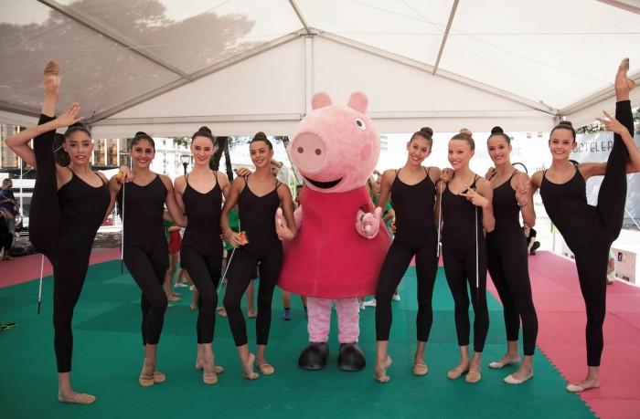 Peppa Pig con gimnastas