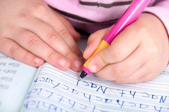 Niños que oyen mal, mayor riesgo de dislexia