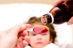 Peligros de automedicar a los niños
