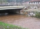 Vertido en el río Besaya (Cantabria)