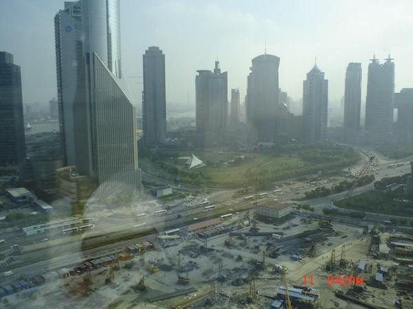 Shangái prohibirá circular a los coches que más contaminan