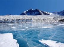 La Antártida y Groenlandia se deshielan cada vez a más velocidad