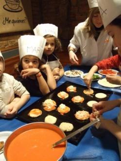 jovenes cocineros