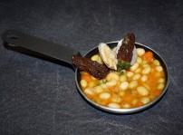 pochas frescas con colmenillas rellenas foie_Cafe