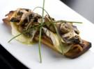 Foie de pato champiñones, bacon y brie gratinado