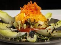 ensalada de naranja, espinacas frescas y endivias