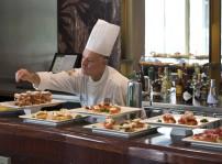 Cafe de Oriente Barra BistroT con Roberto Hierro
