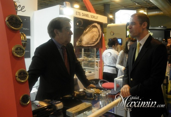 Embajador de Francia en stande caviar Baikal