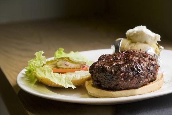 Hamburguesa New York Burger con patata asada