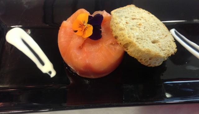 timbal de salmon y pan Liv