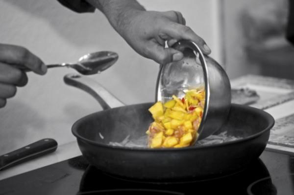 www.estudiahosteleria.com-cocinando2