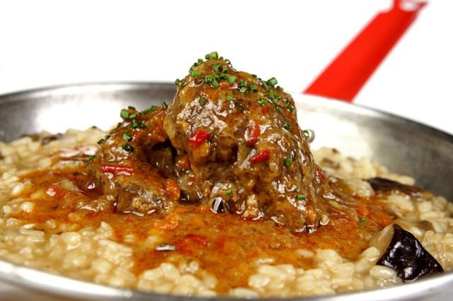 Arroz meloso de setas y carrillera ibérica 2, Macadamia