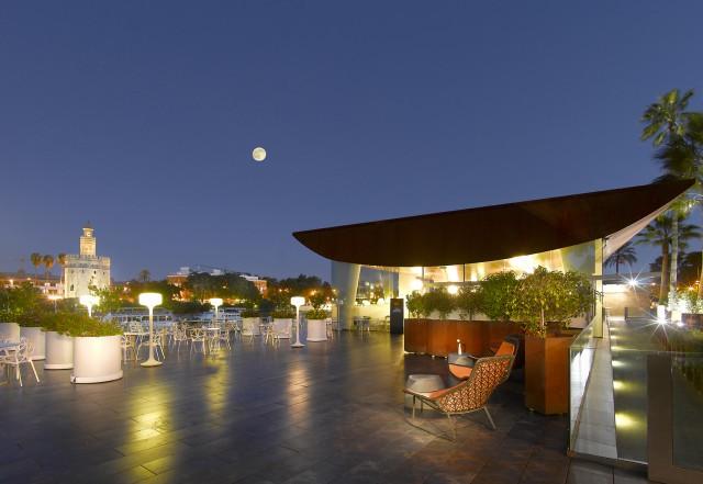 Terraza Abades Triana - de noche1