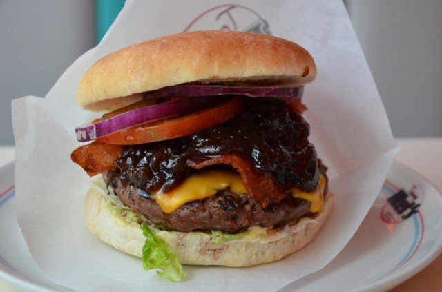 hamburger_tommymelsburger