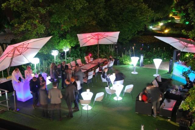Ibiza se une con madrid la noche de los jueves for Decoracion fiesta jardin noche