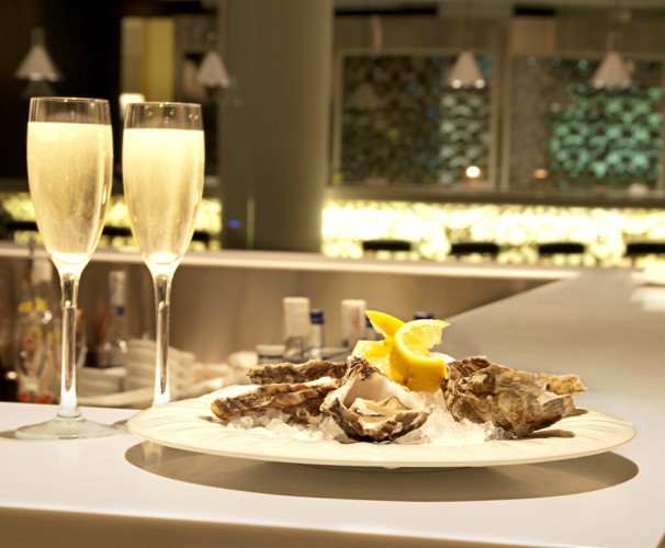 ostras y champagne