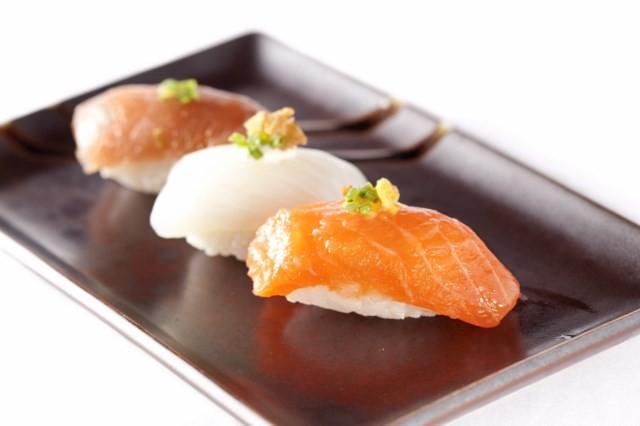 Nigiri de atún rojo, sepia y salmón_Ronda 14