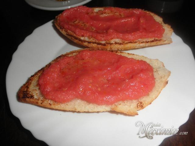 tostada con tomate ¿y aceite