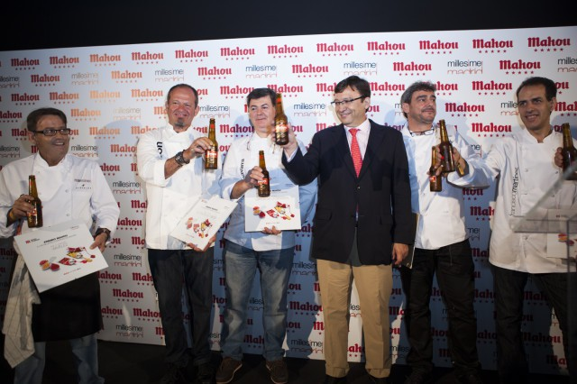 Manuel Quintanero, Presidente de Millesime, junto a los chefs ganadores del Premio Mahou a las mejores barras