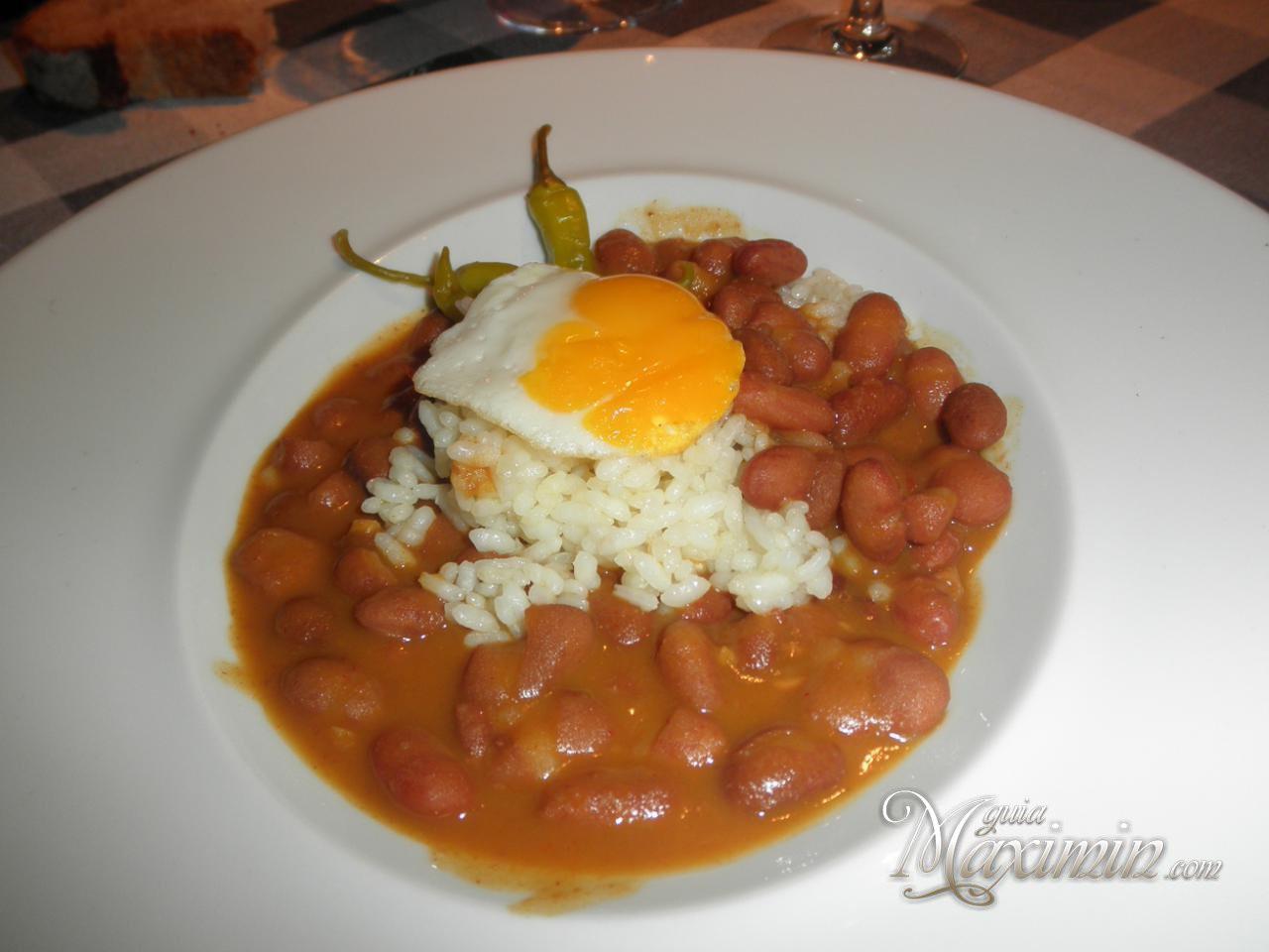 Judias pintas con arroz y huevo de codorniz - Arroz con judias pintas ...