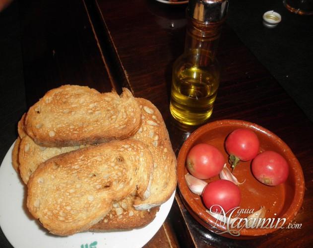 pan tostado y tomae