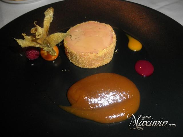 Terrina de foie hecha en casa con tostadas y dulce de higos