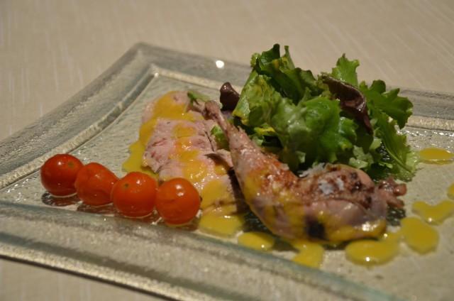 Perdiz en ligero escabeche con ensalada de hojas y tomatitos asados1_treze_sqcommunication