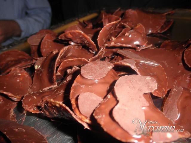 patatas fritas bañadas en chocolate