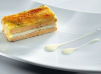 Milhojas de manzana foie-gras y angula con crema de cebolletas(1)