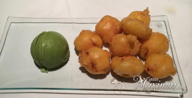 platano frito y helado de te verde