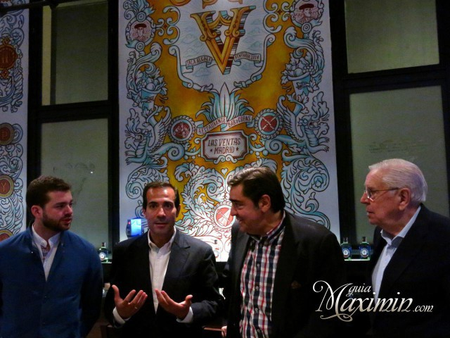 Comentando en Sala Alcalá