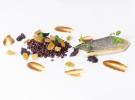 Dorada, wok de arroz venere, frutas secas y su crema