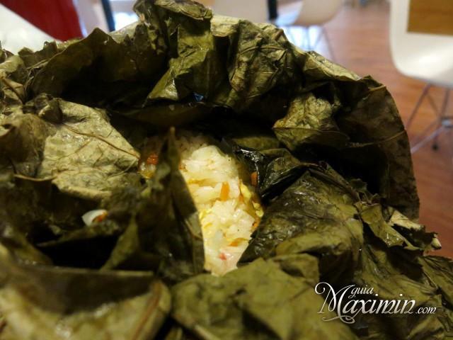 arroz loto envuelto en hojas