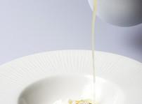 Gazpacho de manzana, sardina marinada y queso de Pría