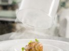 Albóndigas guisadas de rabo de toro con puré especiado de patata BACIRA