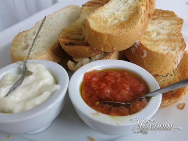 pan-tostado-alioli-y-tomate