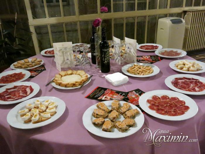 mesa con productos a degustar