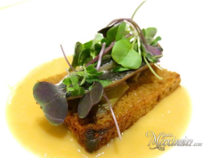 sardina sobre foie