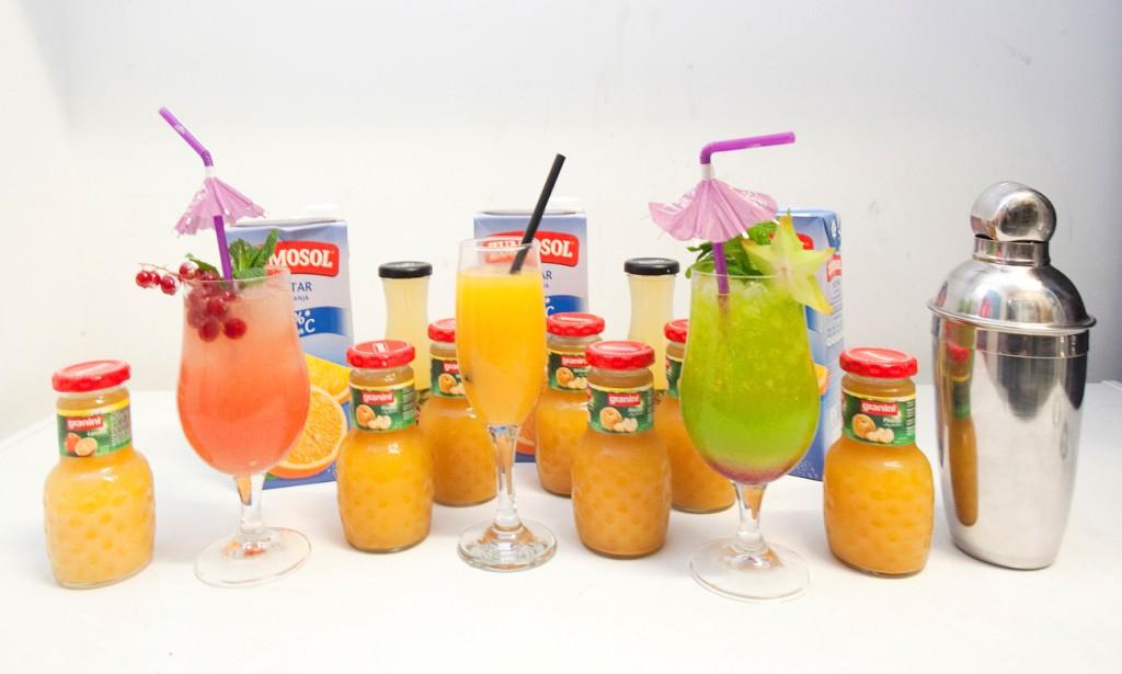Coctelería con zumos de frutas para estas fiestas