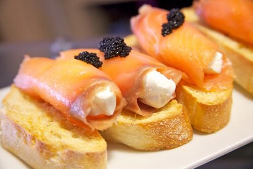 Picnho de salmón con queso La Colchonería de La Camarilla b