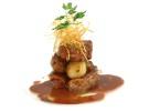 Solomillo de ibe¦ürico con patatitas y jugo de carne
