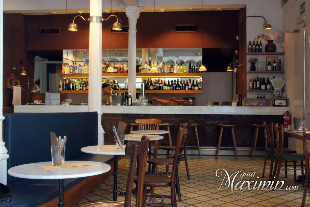 Carmelitas, vermut y tapas en el Raval de Barcelona