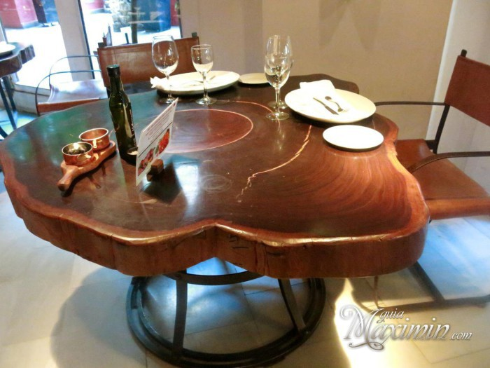 mesa restaurante Rubaiyat